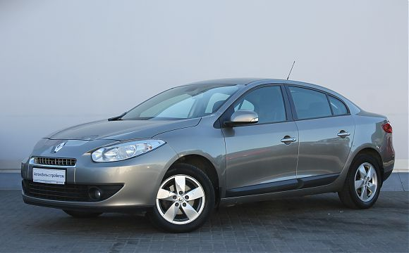 Renault Fluence 1.6 MT 2011